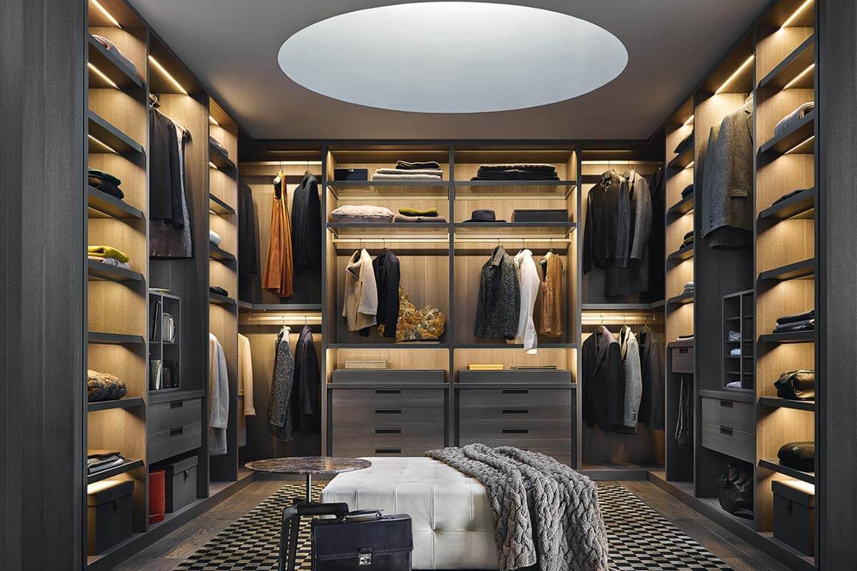walk in closet wardrobe